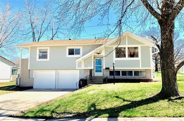 6701 N Woodland Avenue, Kansas City, MO 64118 (#2158211) :: House of Couse Group