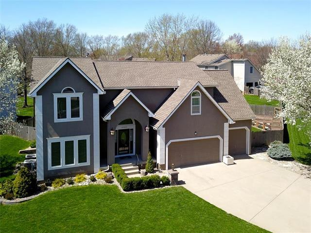 15200 Beverly Street, Overland Park, KS 66223 (#2158229) :: House of Couse Group