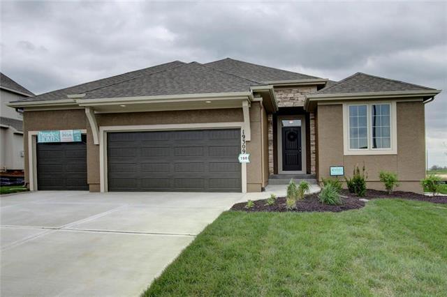 20109 Barker Street, Spring Hill, KS 66083 (#2158241) :: No Borders Real Estate