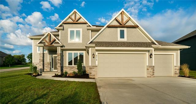 4518 NE Alhambra Drive, Lee's Summit, MO 64064 (#2158258) :: House of Couse Group