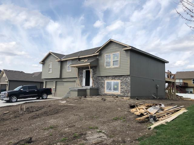 11708 Heritage Drive, Peculiar, MO 64078 (#2158349) :: House of Couse Group