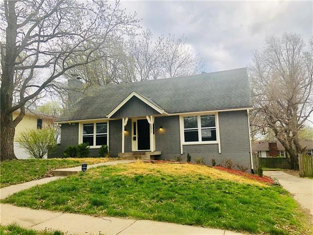 12017 E 56th Street, Kansas City, MO 64133 (#2158404) :: No Borders Real Estate