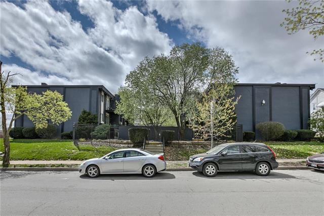 809 W 40th Street #19, Kansas City, MO 64111 (#2158511) :: Eric Craig Real Estate Team