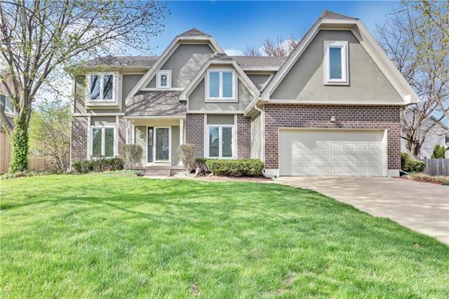 10506 W 128TH Terrace, Overland Park, KS 66213 (#2158531) :: House of Couse Group