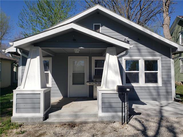 626 S Locust Street, Ottawa, KS 66067 (#2158581) :: No Borders Real Estate