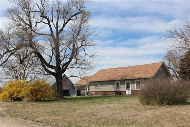 24940 E 700 Road, Pleasanton, KS 66075 (#2158582) :: No Borders Real Estate