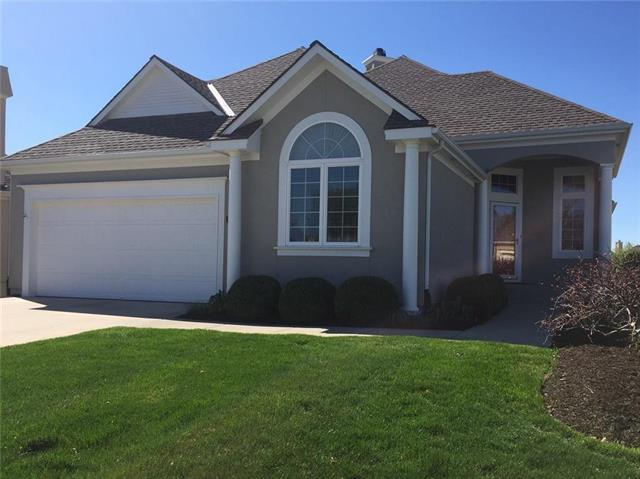 11640 S Carriage Street, Olathe, KS 66062 (#2158608) :: House of Couse Group