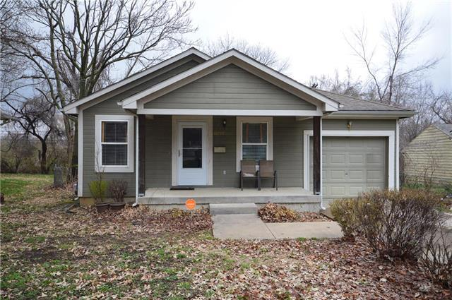 10719 Bristol Terrace, Kansas City, MO 64134 (#2158627) :: Edie Waters Network