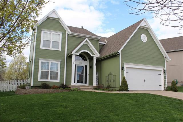 336 W Cottonwood Drive, Raymore, MO 64083 (#2158672) :: House of Couse Group