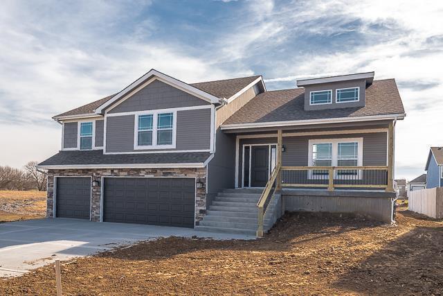 21431 W 47th Terrace, Shawnee, KS 66218 (#2158675) :: Kansas City Homes