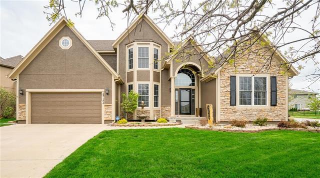 25154 W 149th Terrace, Olathe, KS 66061 (#2158716) :: NestWork Homes