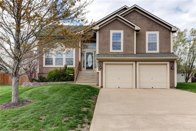 872 E Lanesfield Street, Gardner, KS 66030 (#2158746) :: Team Real Estate