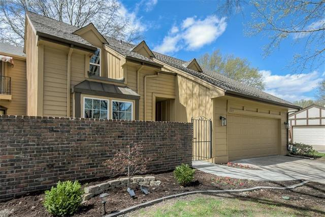 2211 Condolea Terrace, Leawood, KS 66209 (#2158788) :: Eric Craig Real Estate Team
