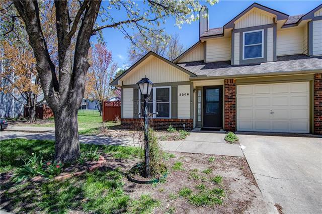 2208 Breckenridge Drive, Lawrence, KS 66047 (#2158795) :: House of Couse Group