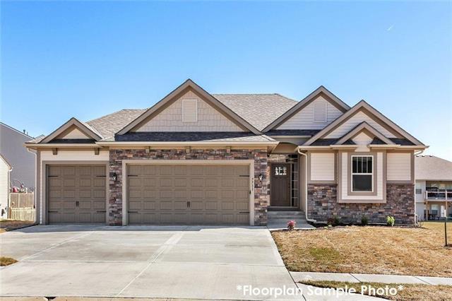 10564 N Randolph Avenue, Kansas City, MO 64157 (#2158804) :: House of Couse Group