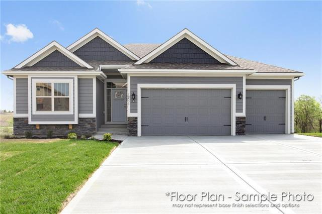 10515 N Randolph Avenue, Kansas City, MO 64157 (#2158807) :: House of Couse Group