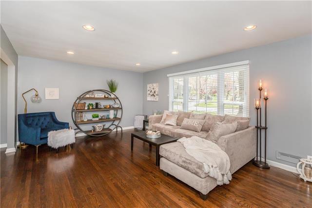 5414 W 79th Terrace, Prairie Village, KS 66208 (#2158880) :: Team Real Estate