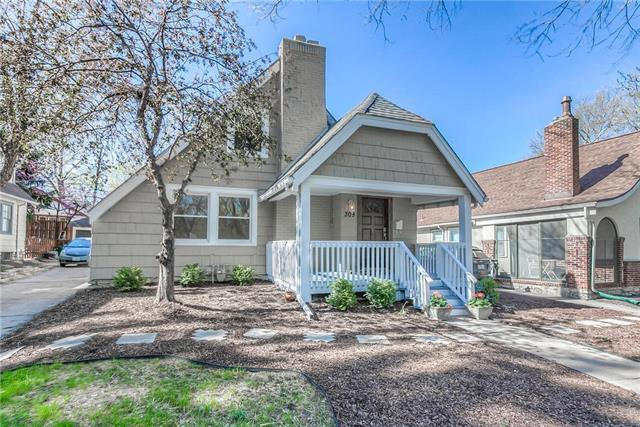 309 E 69th Street, Kansas City, MO 64113 (#2158885) :: No Borders Real Estate