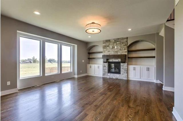 1820 SW Blackstone Place, Lee's Summit, MO 64082 (#2158895) :: House of Couse Group