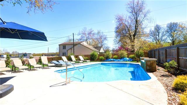 4745 W 61 Terrace, Mission, KS 66205 (#2158936) :: Team Real Estate