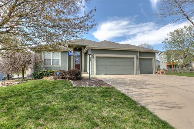 522 Holt Drive, Liberty, MO 64068 (#2158964) :: No Borders Real Estate