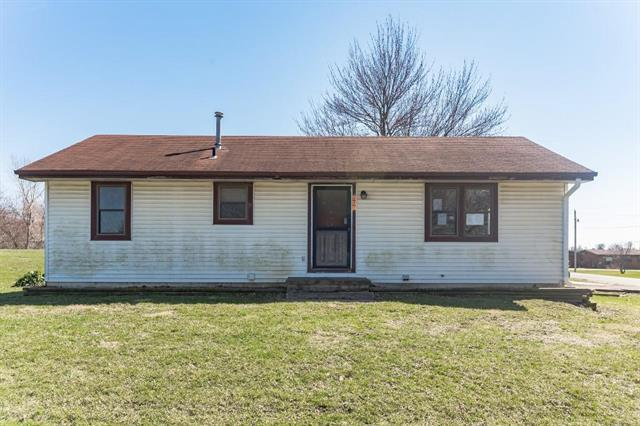 601 W Paul Street, Troy, KS 66087 (#2158977) :: Stroud & Associates Keller Williams - Powered by SurRealty Network