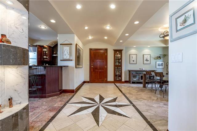 229 Ward Parkway 404A, Kansas City, MO 64112 (#2159033) :: Eric Craig Real Estate Team