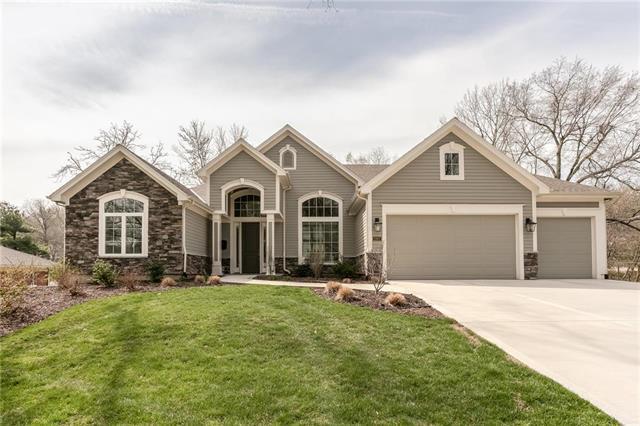 2907 W 98 Street, Leawood, KS 66206 (#2159044) :: No Borders Real Estate