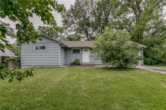 8601 E 114TH Street, Kansas City, MO 64134 (#2159046) :: Clemons Home Team/ReMax Innovations