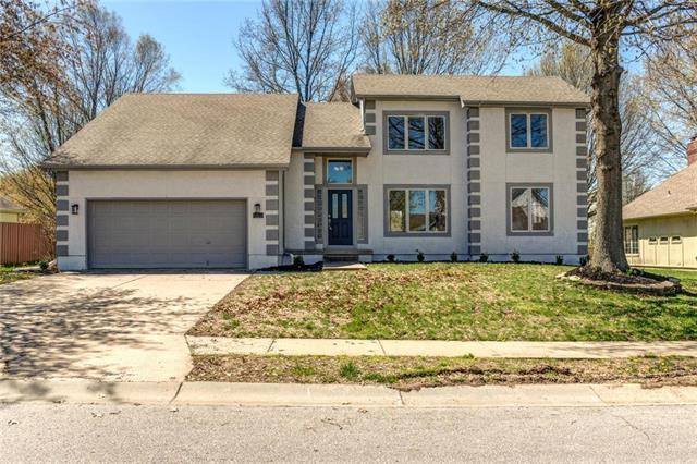 4005 SW 22nd Street, Blue Springs, MO 64015 (#2159059) :: House of Couse Group