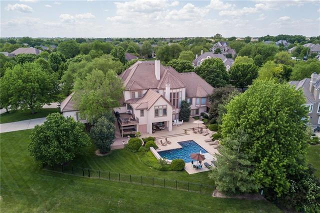 14609 Delmar Street, Leawood, KS 66224 (#2159090) :: House of Couse Group