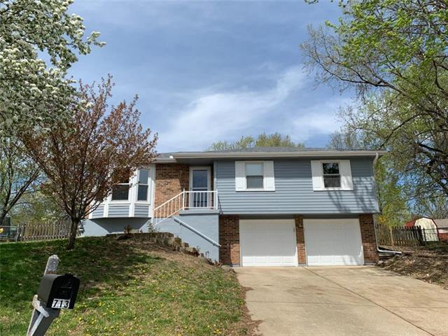 713 SE Parkwood Court, Blue Springs, MO 64014 (#2159118) :: Team Real Estate