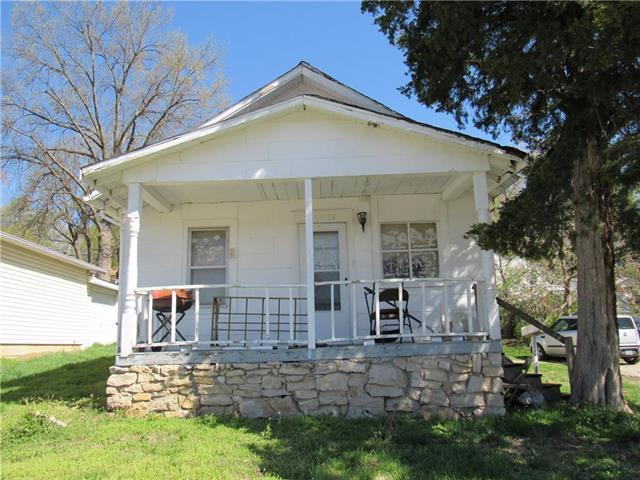 11426 E Simpson Avenue, Independence, MO 64054 (#2159169) :: Edie Waters Network