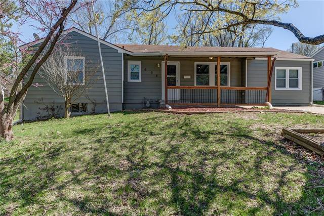 605 W Colonel Drive, Independence, MO 64050 (#2159222) :: Edie Waters Network