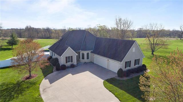 12896 Valley View Drive, St Joseph, MO 64505 (#2159259) :: Stroud & Associates Keller Williams - Powered by SurRealty Network