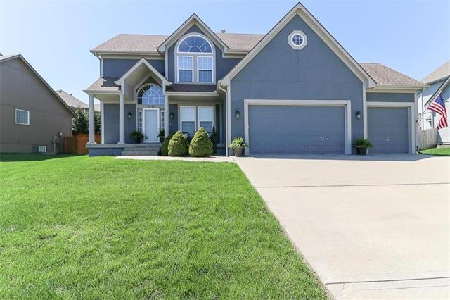 2620 SW Carlton Drive, Lee's Summit, MO 64082 (#2159270) :: Team Real Estate