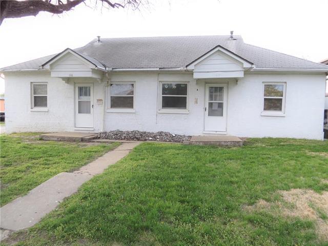 616 W Harrison Street, Butler, MO 64730 (#2159345) :: No Borders Real Estate