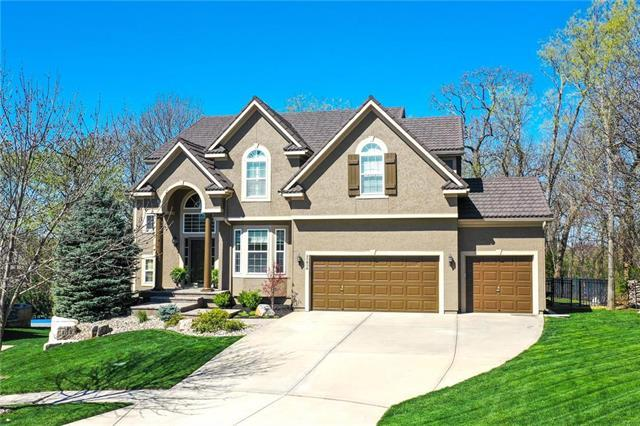 20806 W 91st Terrace, Lenexa, KS 66220 (#2159351) :: The Shannon Lyon Group - ReeceNichols