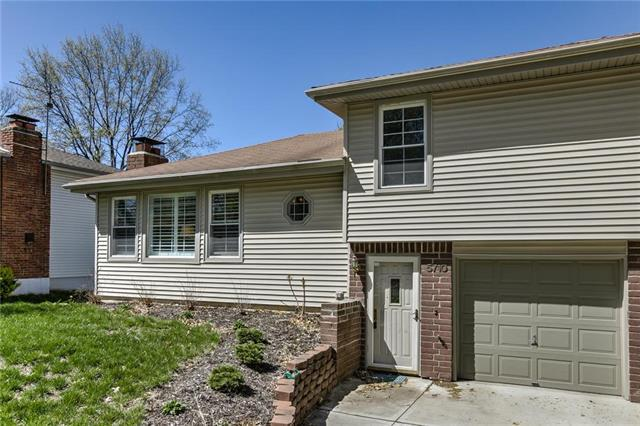 5710 NW High Hill Street, Parkville, MO 64152 (#2159359) :: House of Couse Group