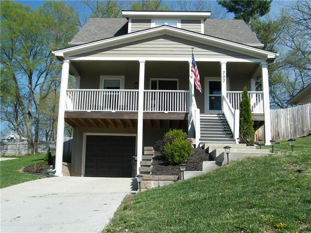 707 S Overton Avenue, Independence, MO 64053 (#2159371) :: Edie Waters Network