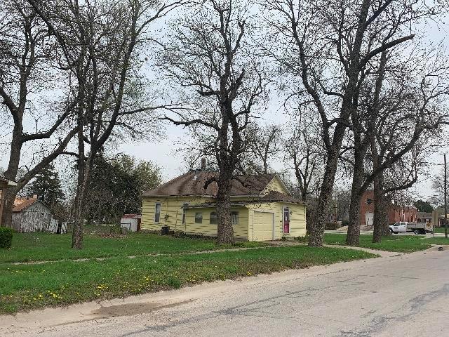 138 S Center Street, Gardner, KS 66030 (#2159524) :: Team Real Estate