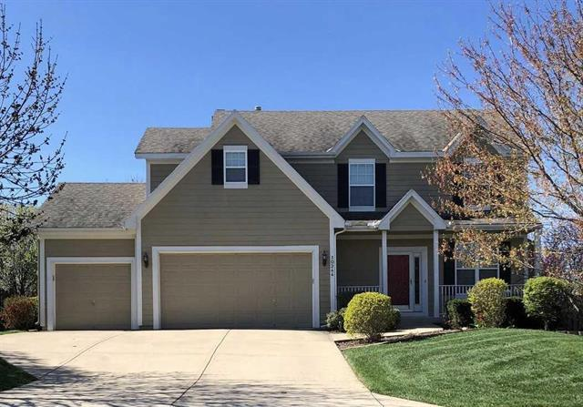 10244 Theden Circle, Lenexa, KS 66220 (#2159572) :: The Shannon Lyon Group - ReeceNichols