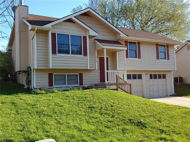 419 NW 73rd Terrace, Kansas City, MO 64118 (#2159603) :: House of Couse Group