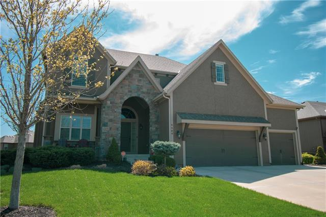 6484 N Whitetail Way, Parkville, MO 64152 (#2159637) :: Edie Waters Network
