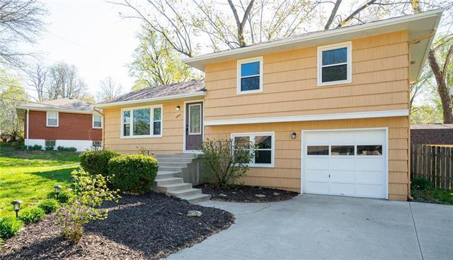 1209 Old Manor Road, Liberty, MO 64068 (#2159645) :: Team Real Estate
