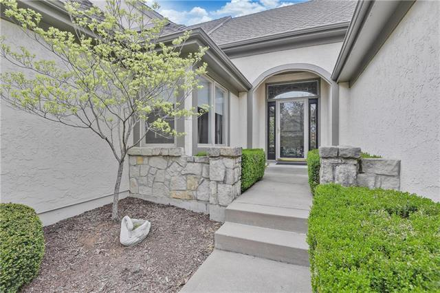 12702 Cedar Street, Leawood, KS 66209 (#2159651) :: House of Couse Group