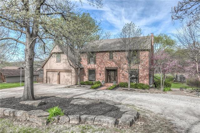 6822 Bell Road, Shawnee, KS 66217 (#2159652) :: Team Real Estate