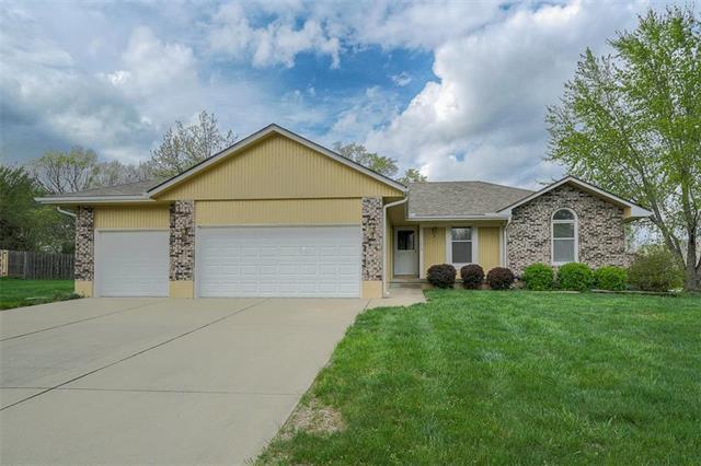 1215 Maple Lane, Pleasant Hill, MO 64080 (#2159704) :: No Borders Real Estate