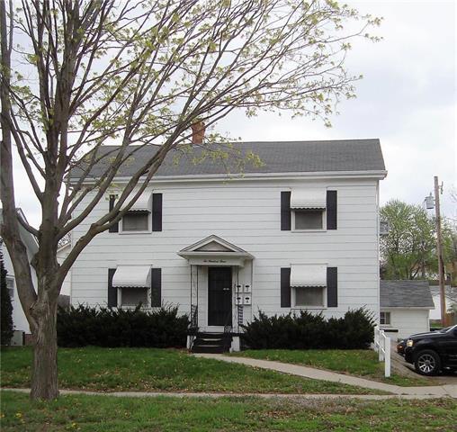 203 S Noyes Boulevard, St Joseph, MO 64501 (#2159734) :: Team Real Estate