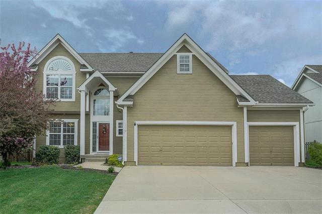 2348 SW Feather Ridge Road, Lee's Summit, MO 64082 (#2159738) :: House of Couse Group